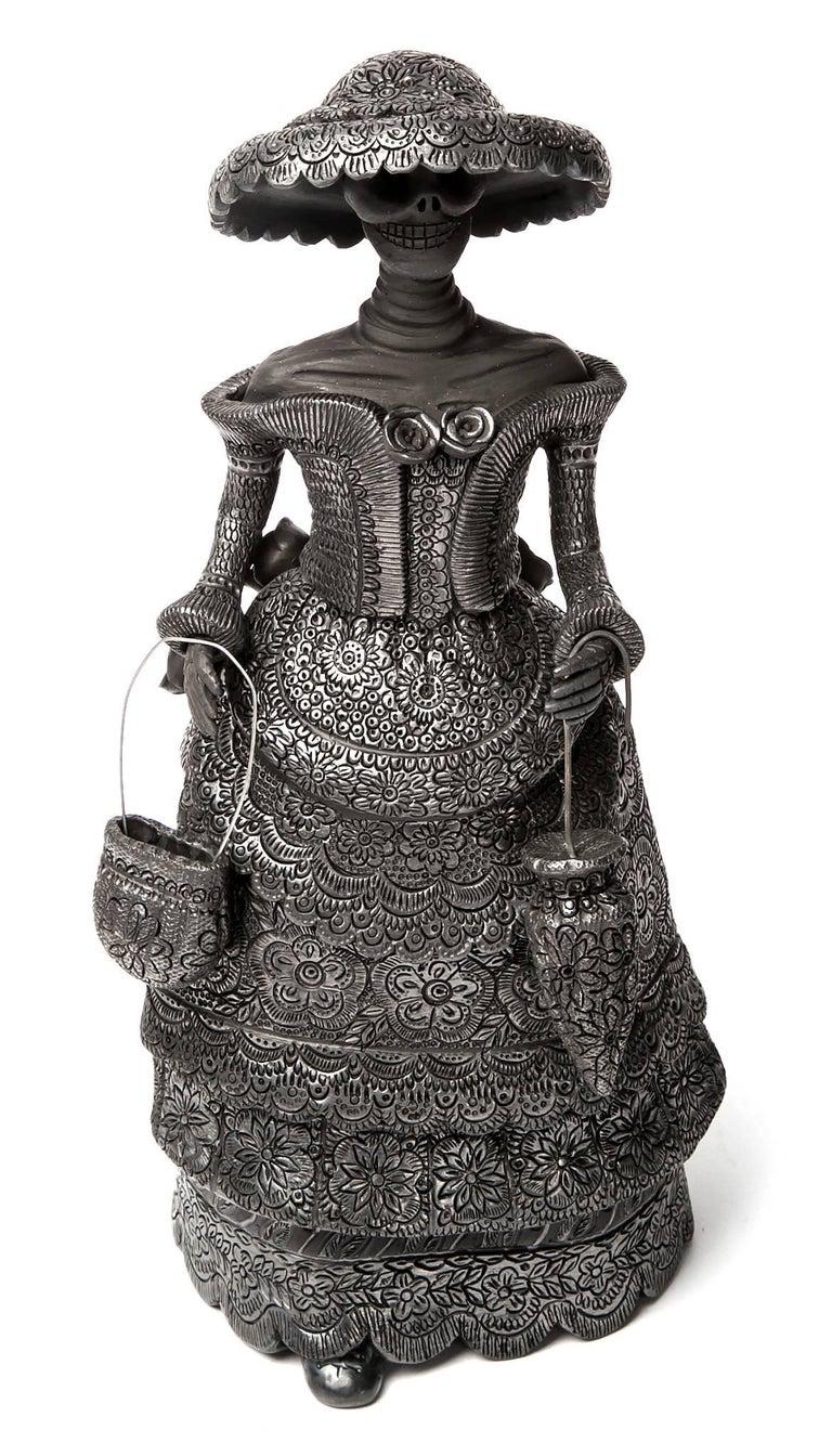 Magdalena Pedro Martinez Abstract Sculpture - 5'' Mujer Catrina-Oaxaca / Ceramics Black Clay Mexican Folk Art