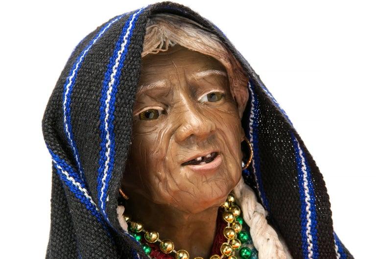 13'' Vendedora de Xempatzuchil / Wax Sculpture Mexican Folk Art For Sale 3