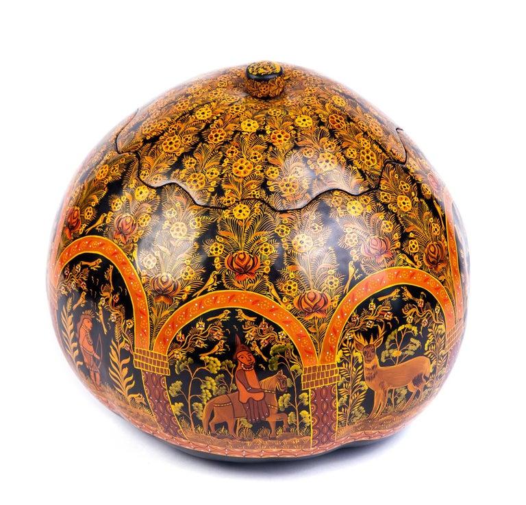 Costurero Dorado en Ocre / Lacquer Mexican Folk Art