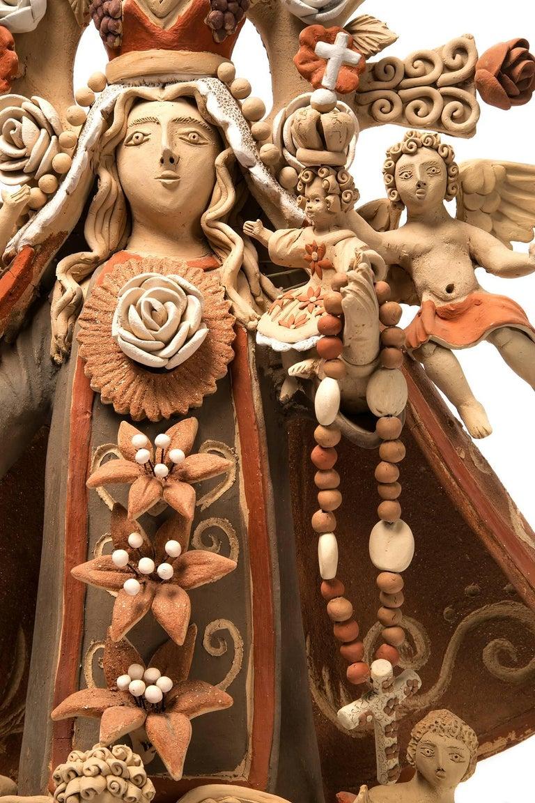 Virgen del Rosario / Ceramics Mexican Folk Art Clay - Brown Figurative Sculpture by Enedina Vasquez Cruz