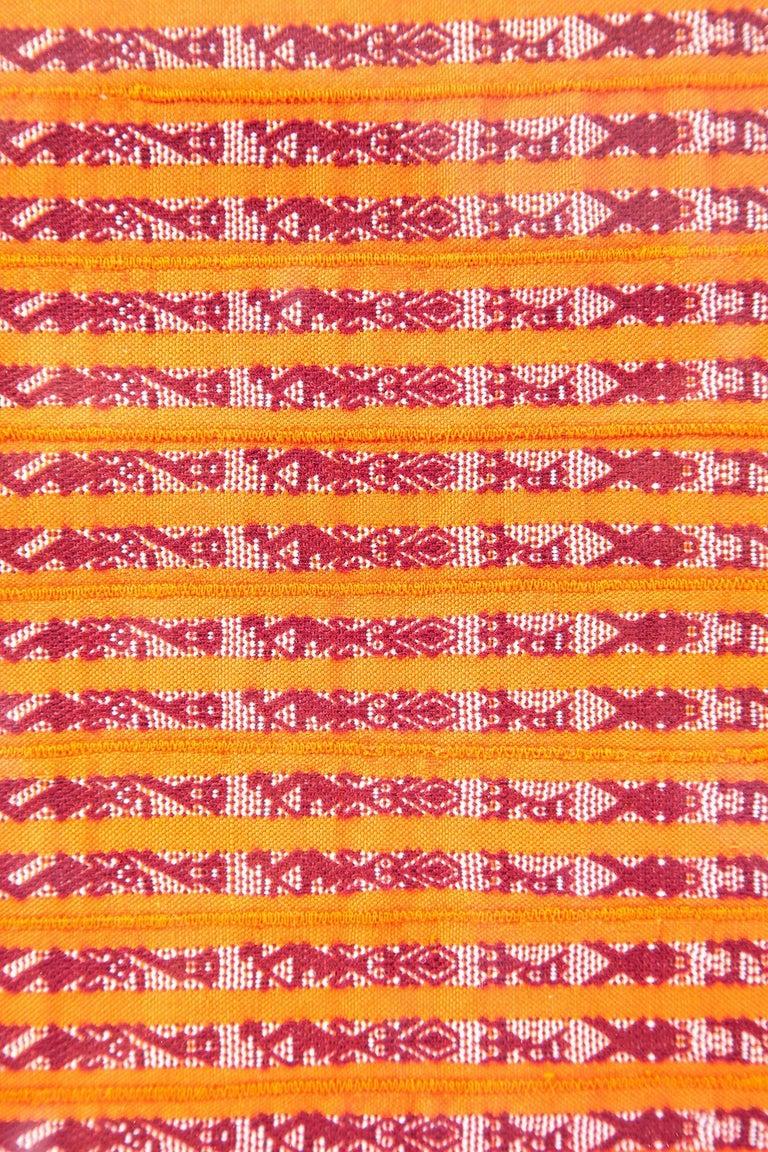 Tapete Miniatura Naranja y Rojo / Textiles Mexican Folk Art Miniature Rug Frame For Sale 4
