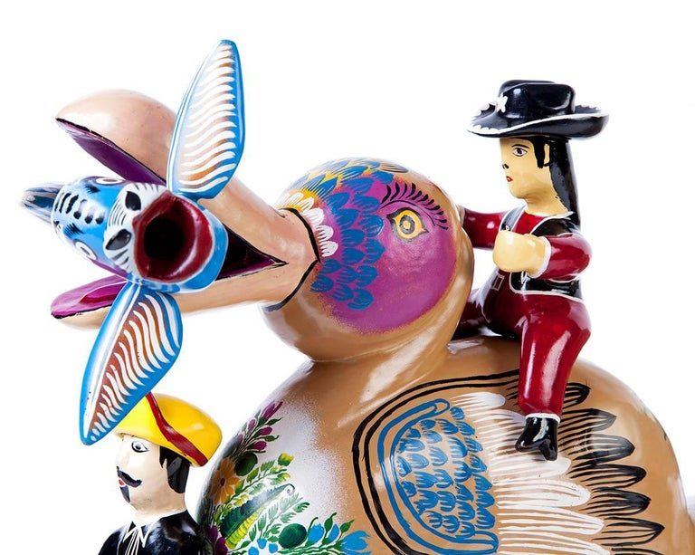 Pato / Wood carving Lacquer Sculpture Mexican Folk Art For Sale 4