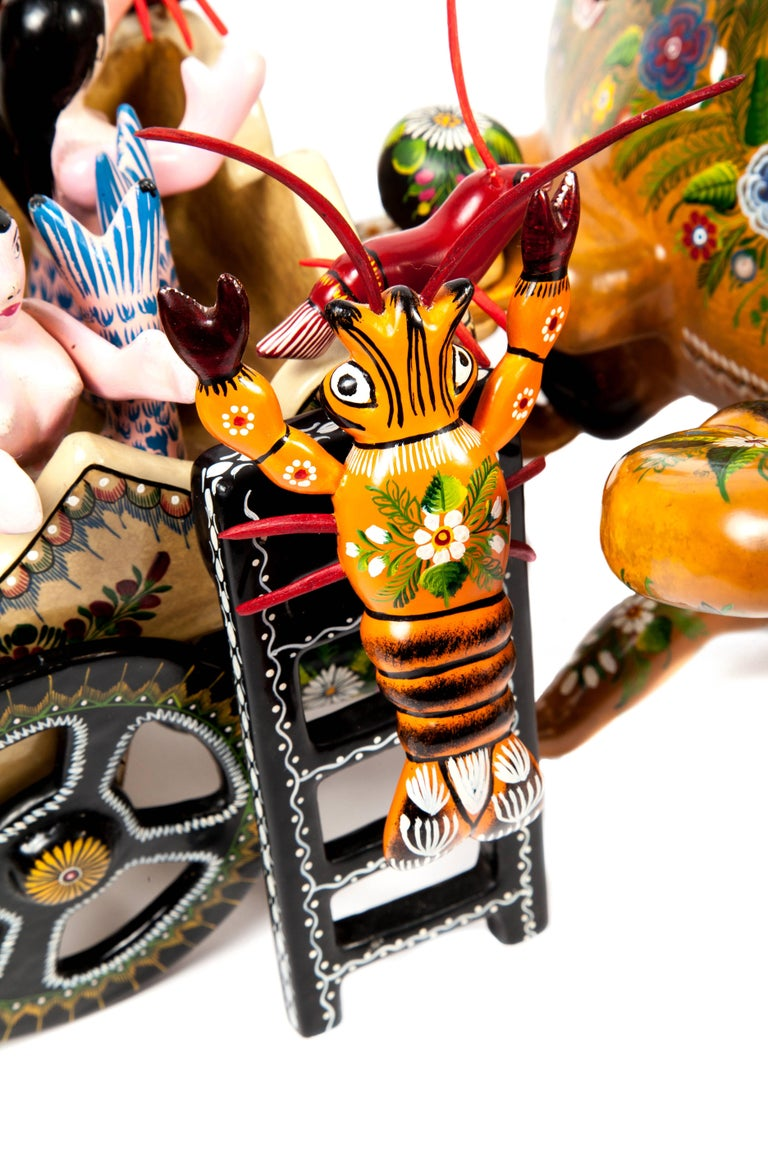 Cangrejo / Wood carving Lacquer Sculpture Mexican Folk Art For Sale 4