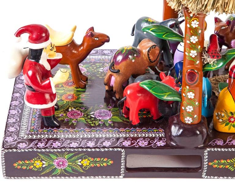 16'' Santa Claus Nacimiento / Wood carving Lacquer Sculpture Mexican Folk Art For Sale 1