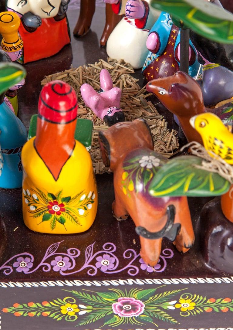 16'' Santa Claus Nacimiento / Wood carving Lacquer Sculpture Mexican Folk Art For Sale 2