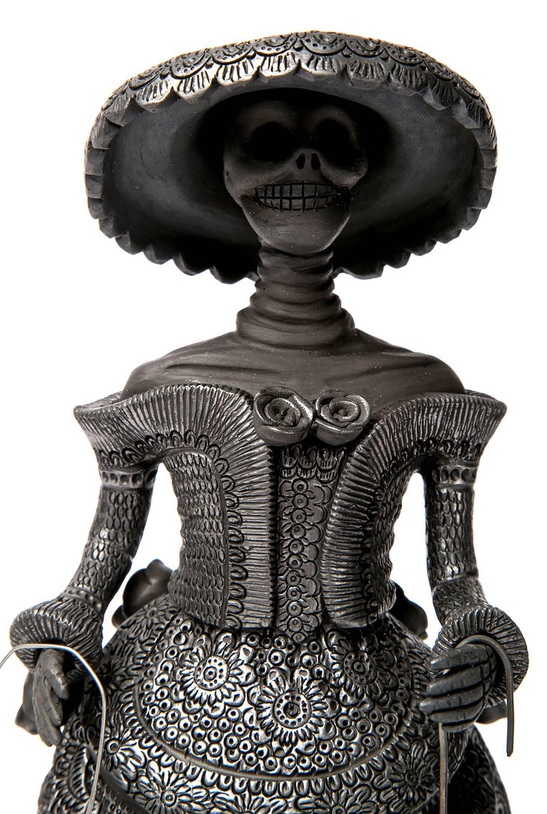 FREE SHIPPING TO WORLDWIDE!  Artisan: Magdalena Pedro Martinez  Made with Black Clay, hand-modeled technique, polished with quartz and cooked in a wood-fired oven.  - Dimensions: 5
