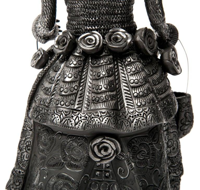 5'' Mujer Catrina-Oaxaca / Ceramics Black Clay Mexican Folk Art For Sale 2