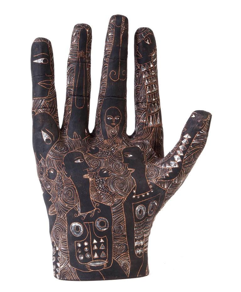 12'' La Mano de Yanhuitlan / Ceramics Mexican Folk Art Clay - Sculpture by Manuel David Reyes Ramirez
