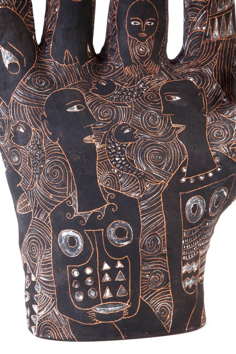 12'' La Mano de Yanhuitlan / Ceramics Mexican Folk Art Clay - Black Figurative Sculpture by Manuel David Reyes Ramirez