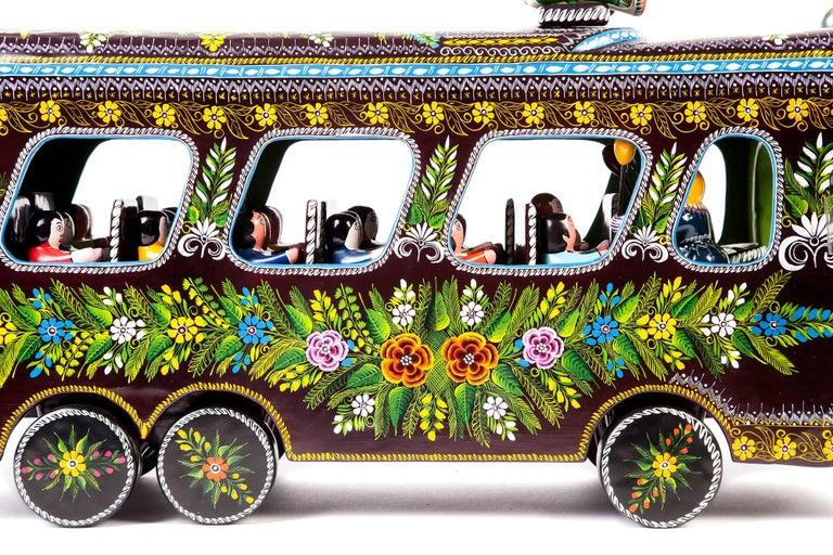 23'' El Autobus / Wood carving Lacquer Mexican Folk Art For Sale 2