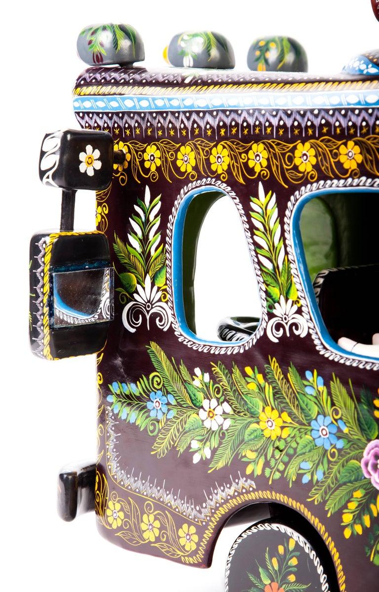 23'' El Autobus / Wood carving Lacquer Mexican Folk Art For Sale 5