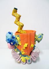 Beverage Vessel with Squiggle Tread & Zigzag Straw, 1C