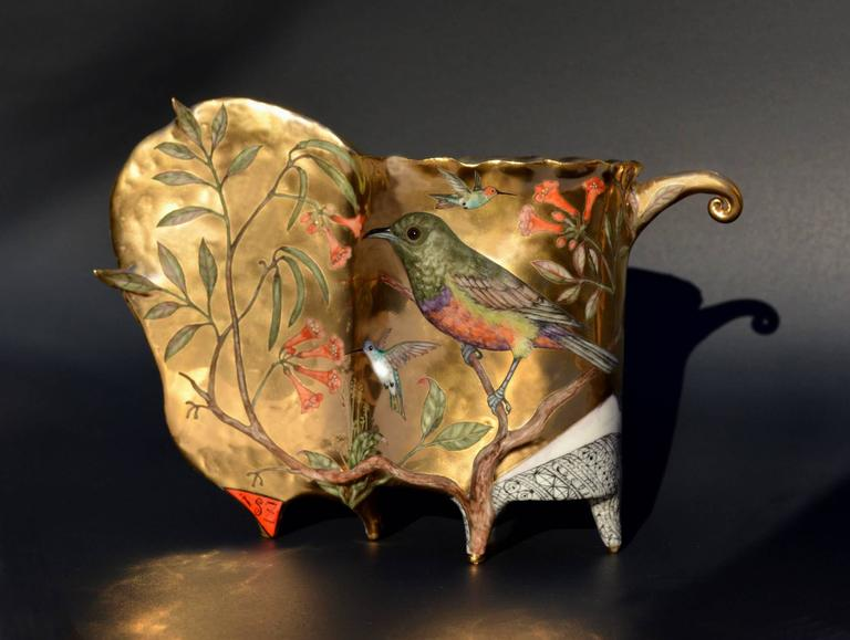 Contemporary Porcelain Sculpture with Gold Luster and Hand Painted Illustration For Sale 1