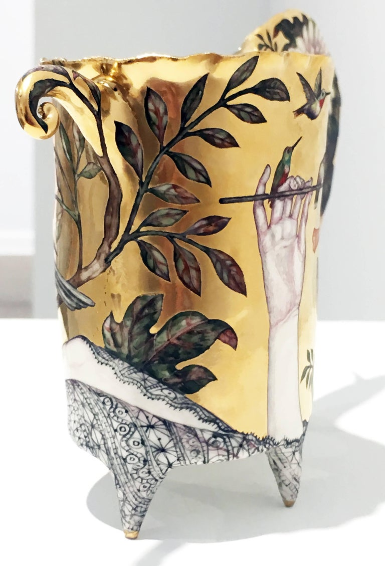 Contemporary Porcelain Sculpture with Gold Luster and Hand Painted Illustration For Sale 3