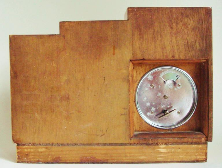 English Art Deco, Chrome, Wood and Polychromed Veneer Ziggurat Mantle Clock In Good Condition For Sale In Port Hope, ON