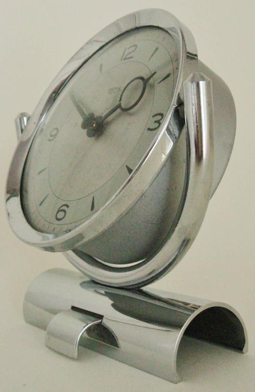 Plated English Mid-Century Modern Chrome Mechanical 30-Hour Smiths Tilting Desk Clock   For Sale