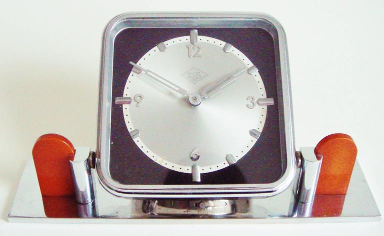 German Art Deco Chrome and Bakelite O&K Presentation Mechanical Table Clock In Excellent Condition For Sale In Port Hope, ON
