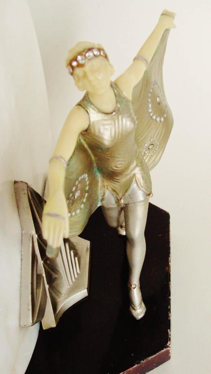 French Art Deco Gerdago Cold Painted Figural Accent Lamp with Alabaster Shade For Sale 1