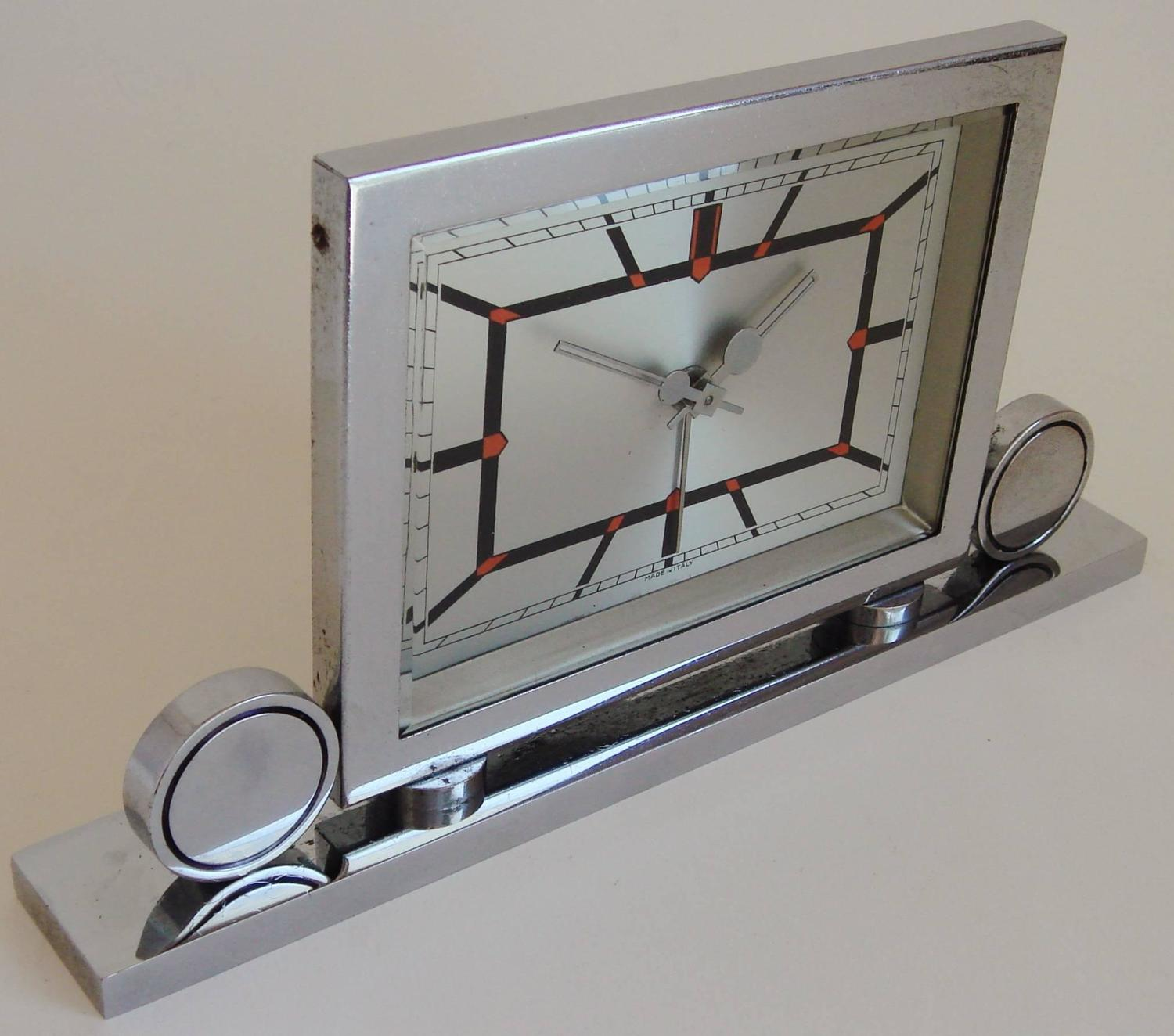 Italian art deco chrome mechanical alarm clock with red Art deco alarm clocks