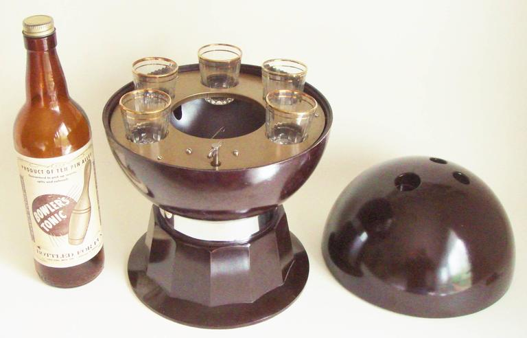 American Mid-Century Bakelite, Glass & Chrome Evans Musical Bowling Ball Bar Set 4