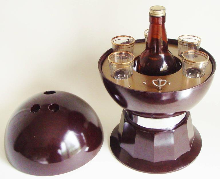 American Mid-Century Bakelite, Glass & Chrome Evans Musical Bowling Ball Bar Set 7