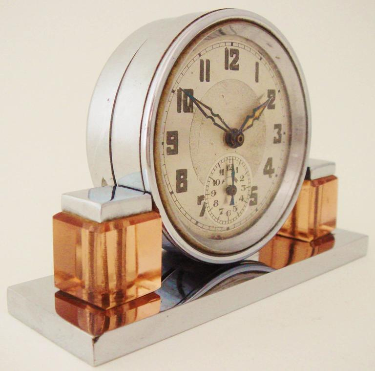 Petite French Art Deco Chrome and Peach Glass Mechanical Alarm Clock In Good Condition For Sale In Port Hope, ON