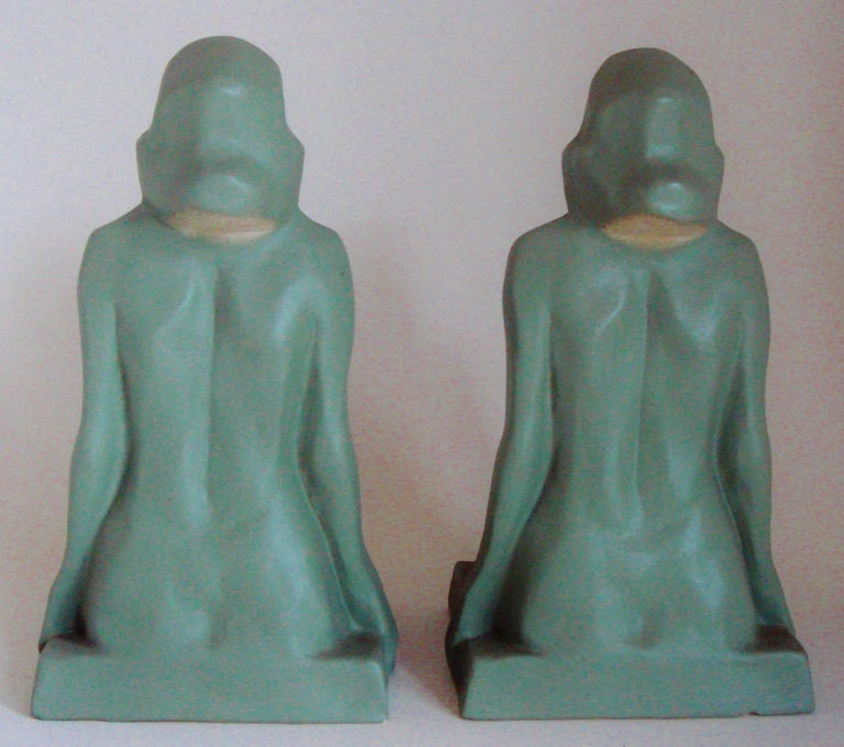 Pair of American Art Deco Green Painted Female Nude Figural Ceramic Bookends In Excellent Condition For Sale In Port Hope, ON