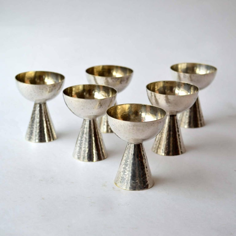 1920s Art Deco Set of Six Silver Plated Liqueur Glasses In Excellent Condition For Sale In London, GB
