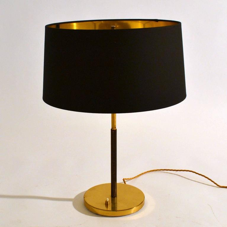 1950s pair of minimal black and gold table lamps by kalmar at 1stdibs. Black Bedroom Furniture Sets. Home Design Ideas