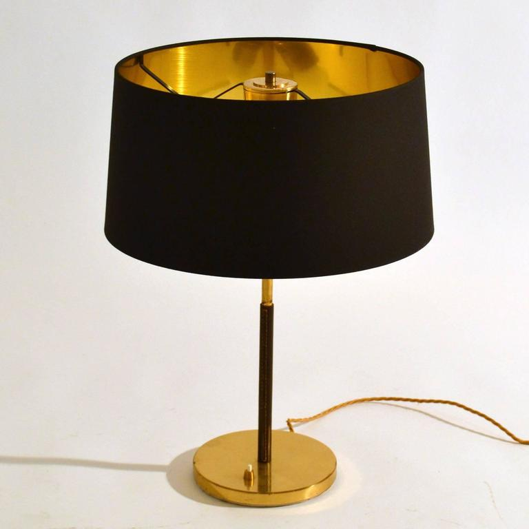 Mid Century Modern 1950s Pair Of Minimal Black And Gold Table Lamps By Kalmar For