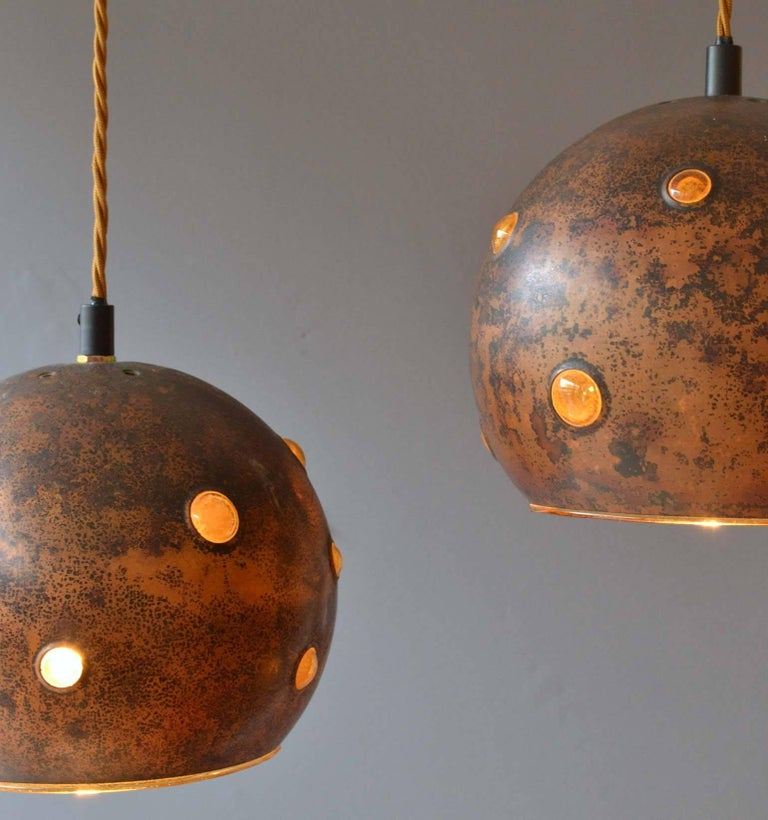 Scandinavian Modern 1960s Pair of Spherical Copper and Yellow Glass Pendant Lamps by Nanny Still For Sale