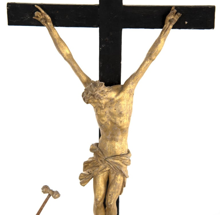 Set of Wood and Gold Leaf Crucifixion Sculptures For Sale 3