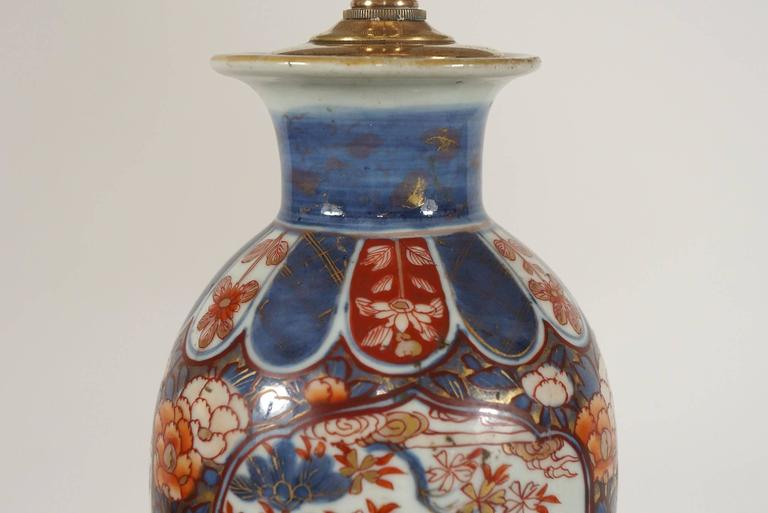 Chinese Export Imari Baluster Vase Table Lamps, Pair For Sale 2
