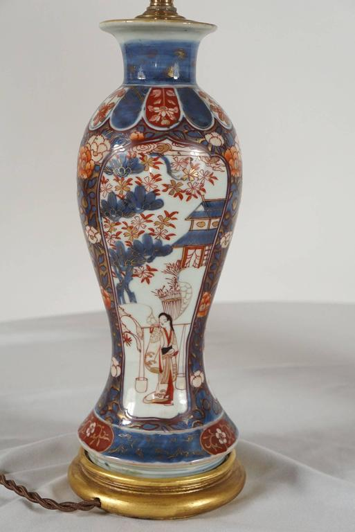 Chinese Export Imari Baluster Vase Table Lamps, Pair For Sale 1