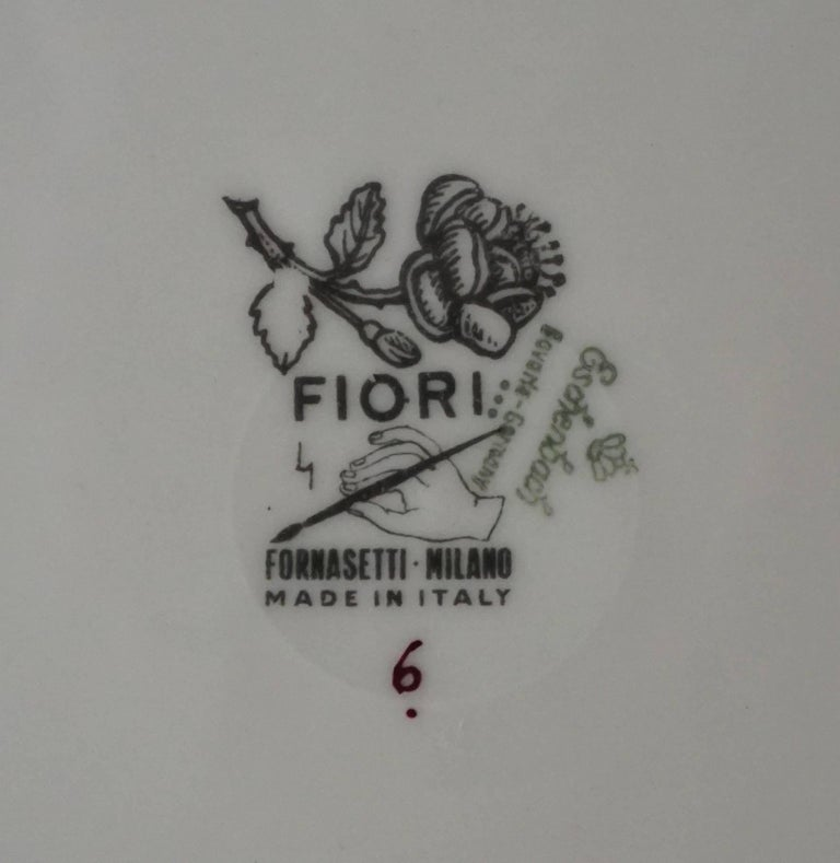 Fornasetti Milano 'Fiori' Pattern Porcelain Plates, Set of Twelve, circa 1965 For Sale 1