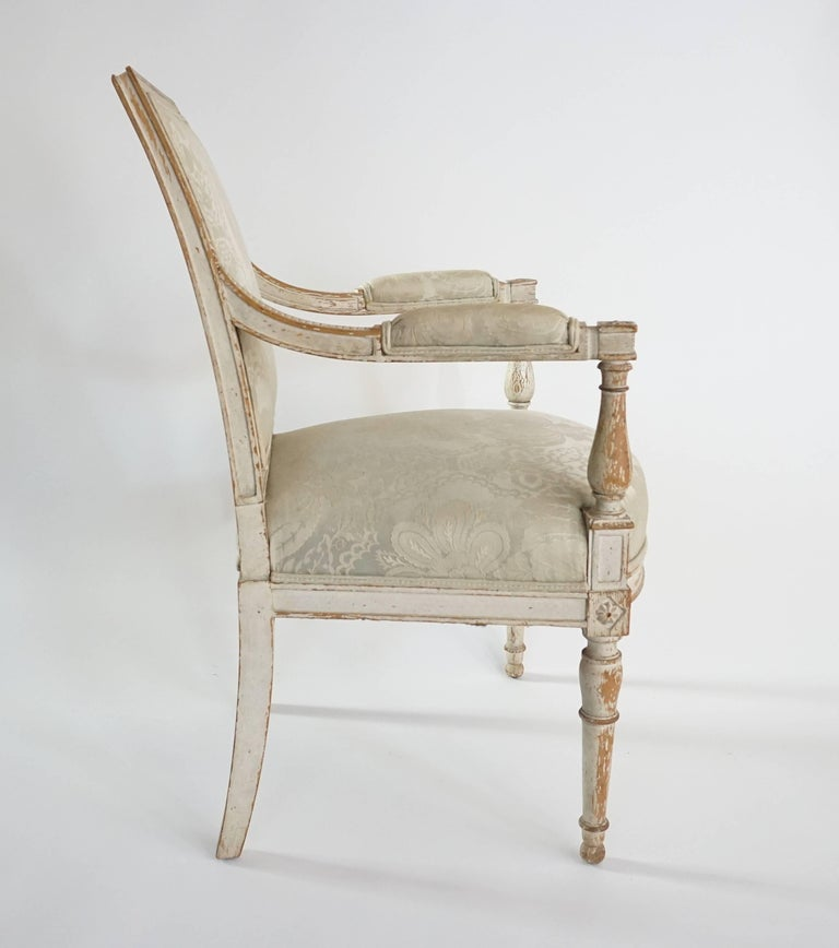 French Directoire Fauteuil in Original Paint In Excellent Condition For Sale In Kinderhook, NY