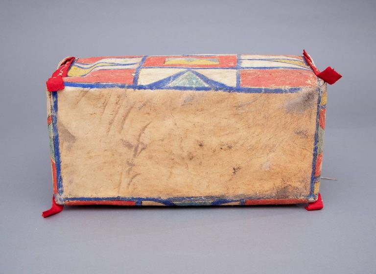 Antique Native American Painted Parfleche Box, Plateau, 19th Century For Sale 2