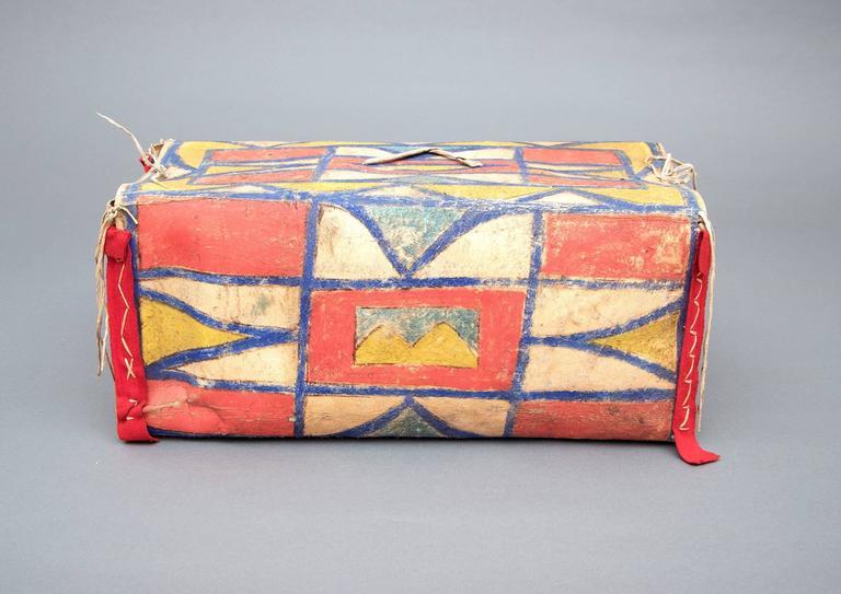 Hide Antique Native American Painted Parfleche Box, Plateau, 19th Century For Sale