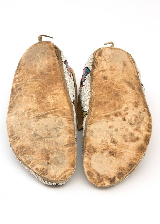 Antique Native American Pictorial Beaded Moccasins, Cheyenne, 19th Century 6