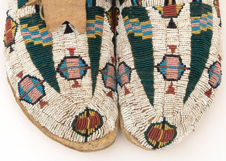 Antique Native American Pictorial Beaded Moccasins, Cheyenne, 19th Century 5