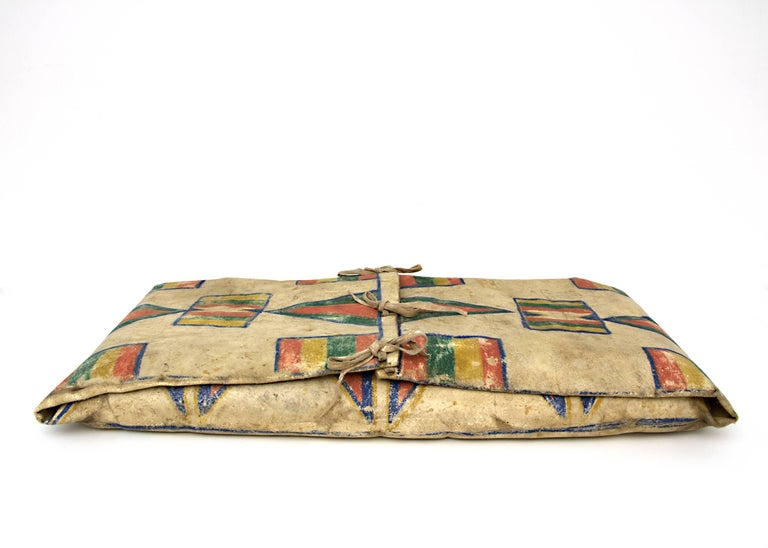 Native American Parfleche Envelope with Abstract Painting, 19th Century, Plateau In Good Condition For Sale In Denver, CO