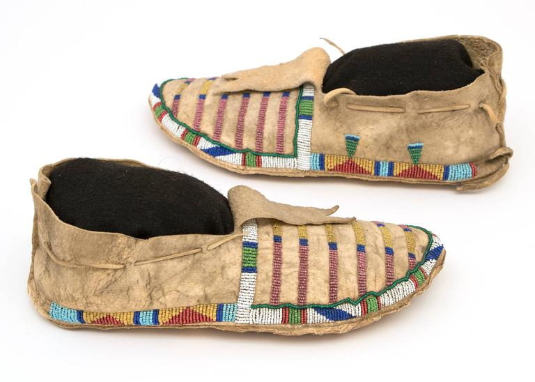19th Century Antique Native American Beaded Moccasins, Crow (Plains Indian), circa 1870 For Sale