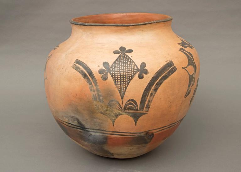 Large Native American Polychrome Pottery Jar Santo