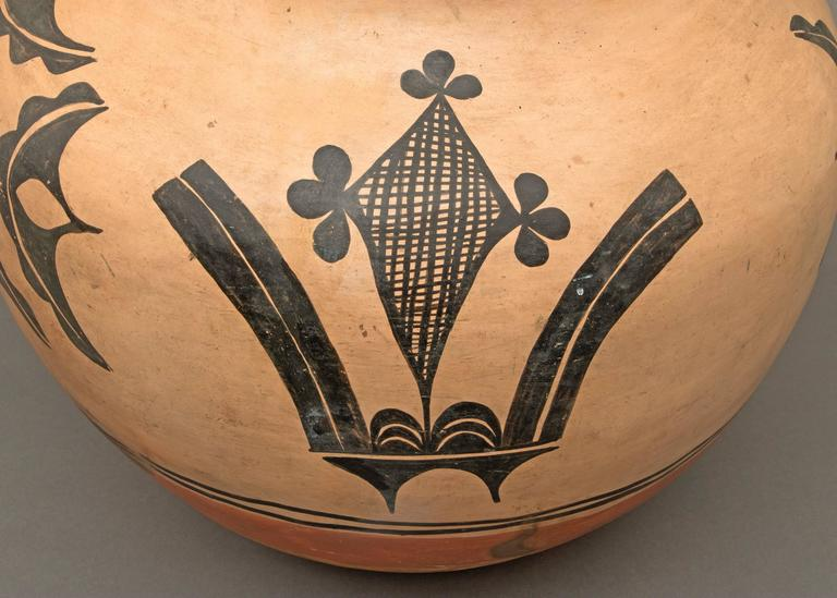 Large native american polychrome pottery jar santo for Native american furniture designs