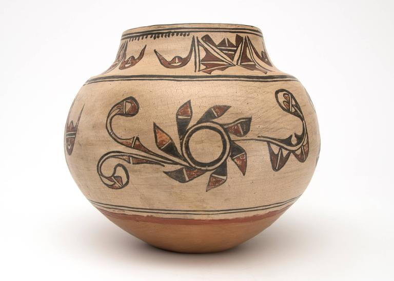 Earthenware Antique Native American Pottery Jar, San Ildefonso Pueblo, 19th Century For Sale