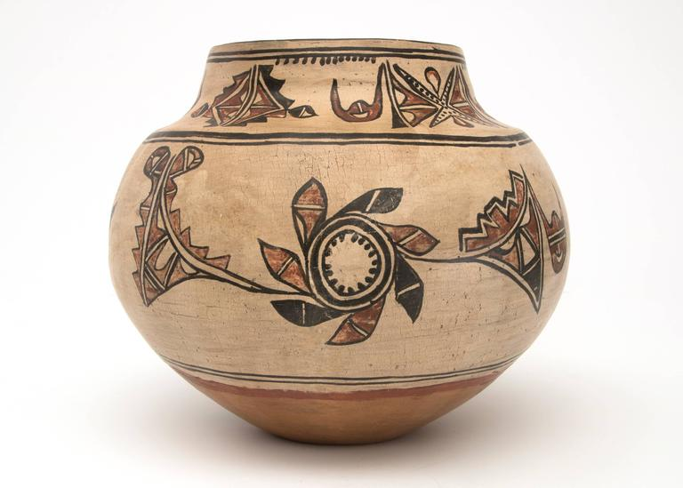 Antique Native American Pottery Jar, San Ildefonso Pueblo, 19th Century In Good Condition For Sale In Denver, CO
