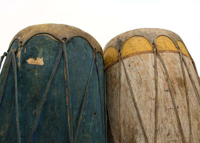 Pair of Large Antique Southwestern Native American Drums, Pueblo, circa 1900 In Good Condition For Sale In Denver, CO