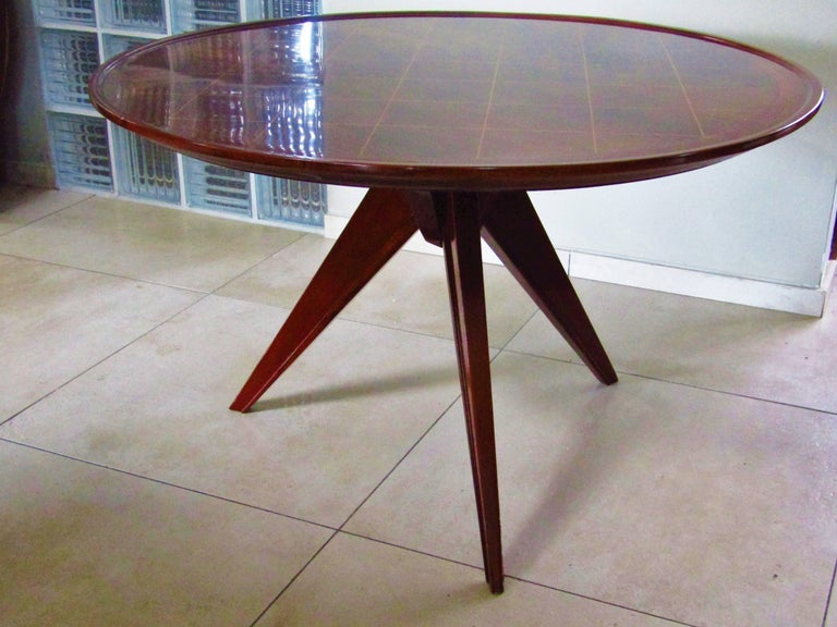 Midcentury Art Deco rosewood coffee table, France, 1940s. With sycamore inlays. Full restored with high gloss lacquer.