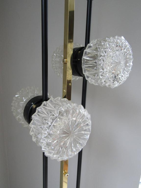 1960s Floor Lamp with Crystal Cut Shades, France In Excellent Condition For Sale In Saarbruecken, DE