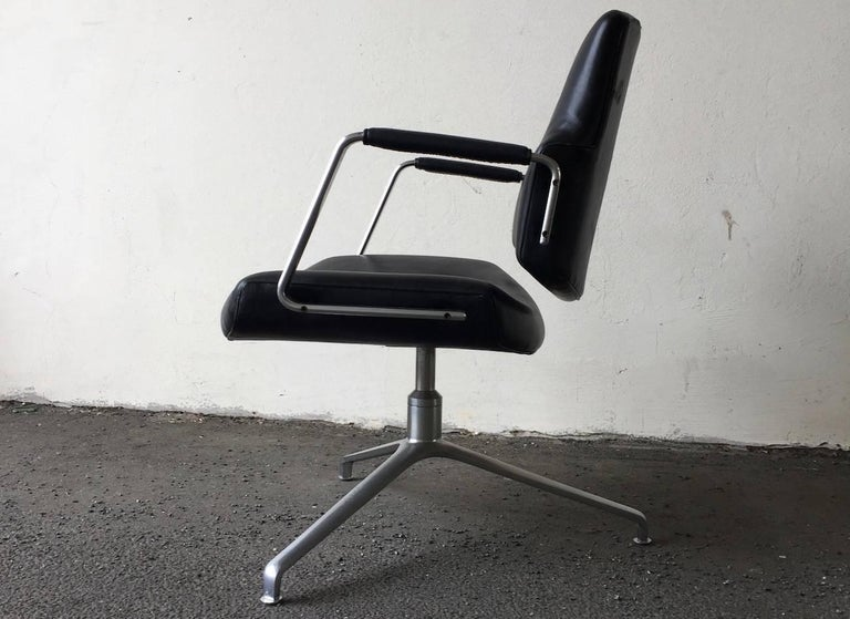 German Rare Fabricius and Kastholm FK84 Lounge Chair For Sale